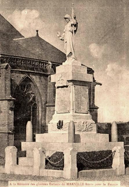 Marville (Meuse) Le monument aux morts CPA