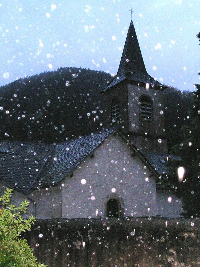 Mélagues (Aveyron) Eglise Saint Martin en 1998