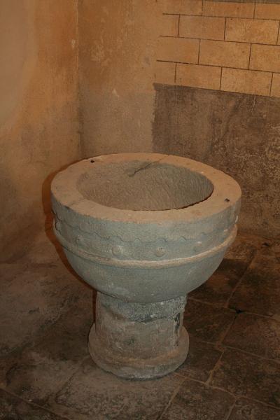 Melagues (Aveyron) Fonts baptismaux