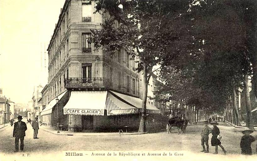 Millau (Aveyron) CPA avenue de la république et de la gare en 1910