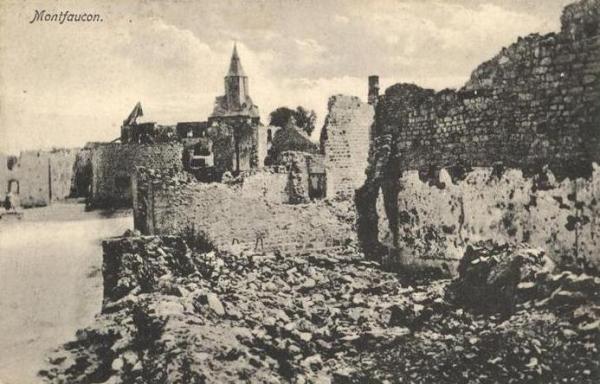 Montfaucon (Aisne) CPA Ruines 14-18
