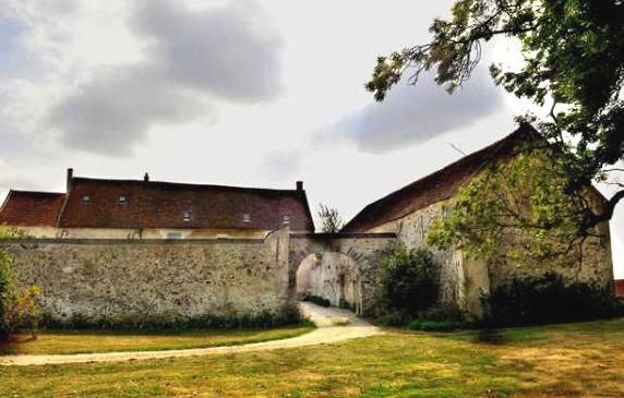 Montfaucon (Aisne) Ferme du Lumeron