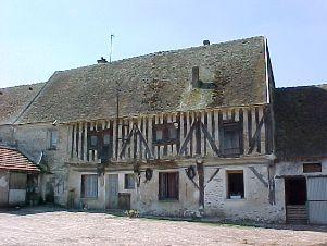 Montfaucon (Aisne) Ferme de Couson