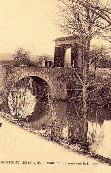Montigny-les-Condé (Aisne) CPA le pont du Ragrenet