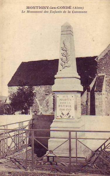 Montigny-les-Condé (Aisne) CPA Monuments aux morts