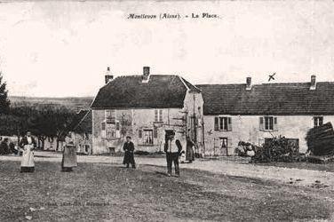 Montlevon (Aisne) CPA La Place