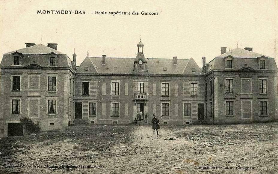 Montmédy (Meuse) L'école de garçons CPA