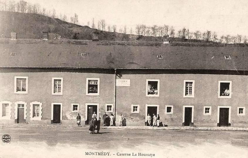 Montmédy (Meuse) La caserne La Houssaye CPA