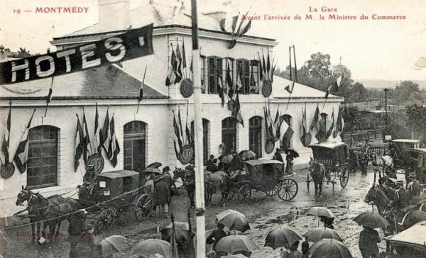 Montmédy (Meuse) la gare avant l'arrivée du ministre CPA