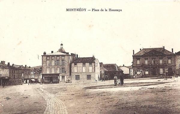 Montmédy (Meuse) La place de La Houssaye CPA