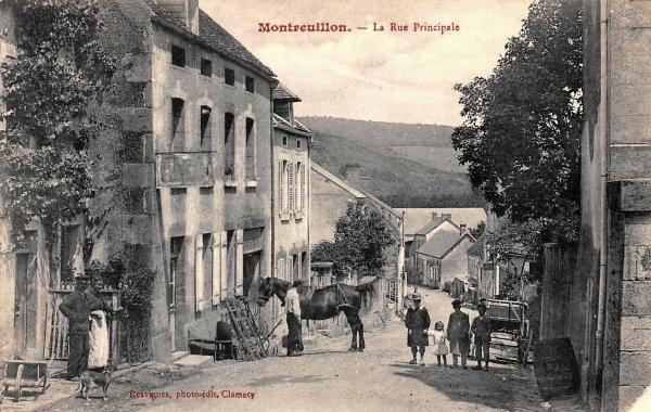 Montreuillon (Nièvre) La Grande rue CPA