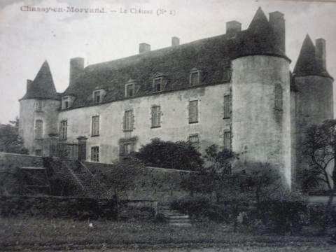 Montreuillon (Nièvre) Le château de Chassy CPA