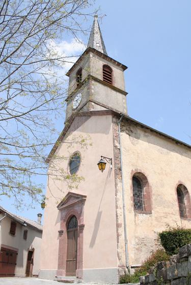 Mounes-Prohencoux (Aveyron) Eglise Saint-Pierre