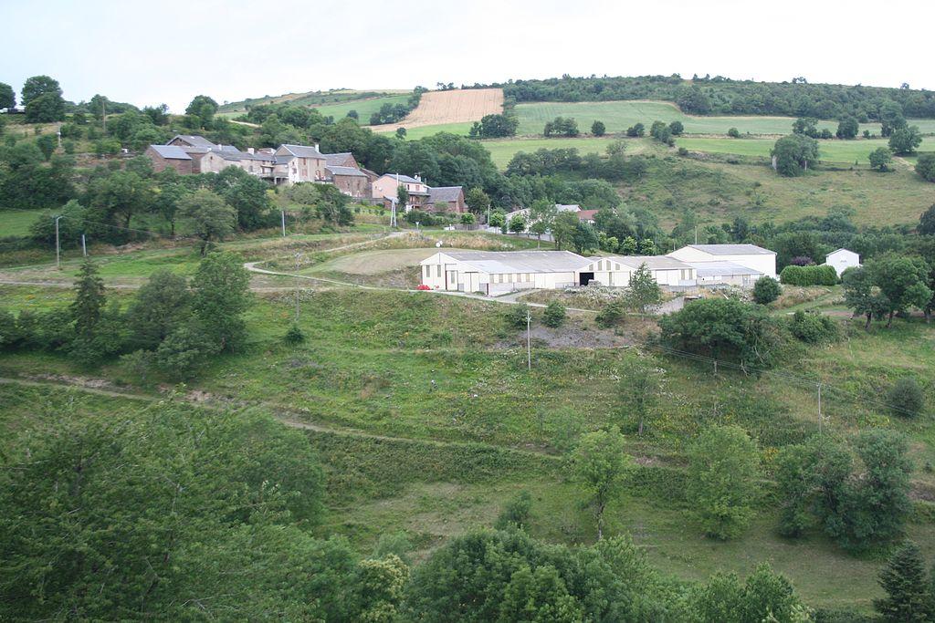 Mounes-Prohencoux (Aveyron) Le Cros, vue générale