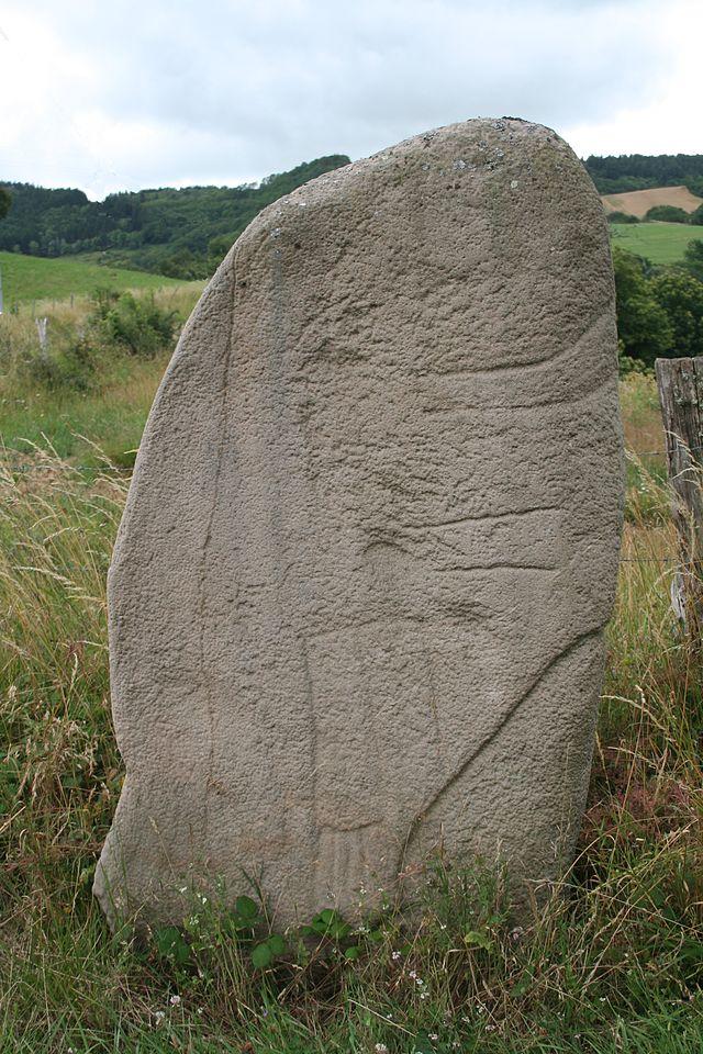 Mounes-Prohencoux (Aveyron) Statue-menhir