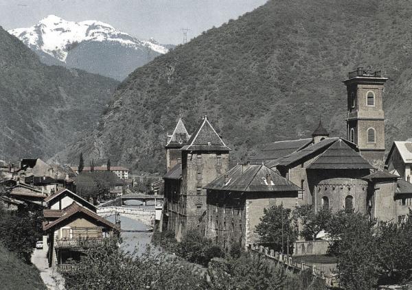 Moûtiers (Savoie) Le Palais des évêques CPA