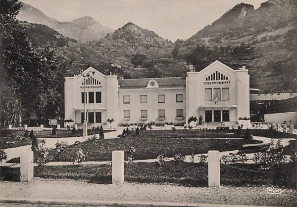 Moûtiers (Savoie) L'Hôtel de ville CPA