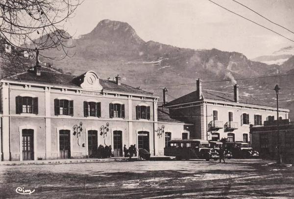 Moûtiers (Savoie) La gare CPA