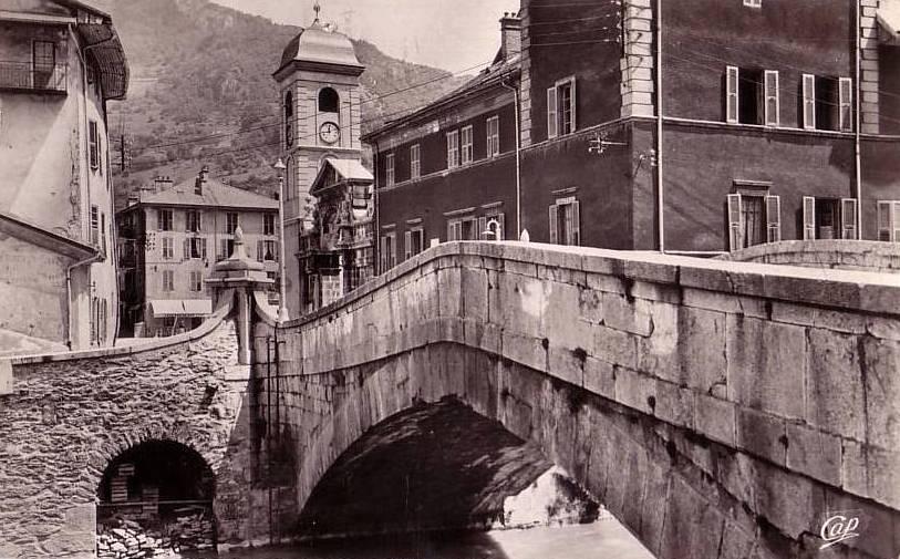 Moûtiers (Savoie) Le pont Saint-Pierre CPA