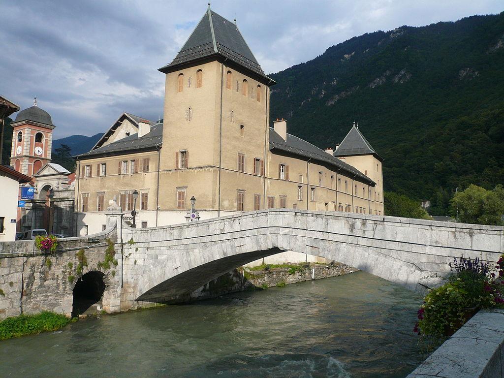 Moûtiers (Savoie) Le pont Saint-Pierre