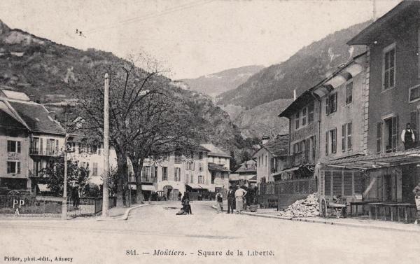Moûtiers (Savoie) Le square de la Liberté