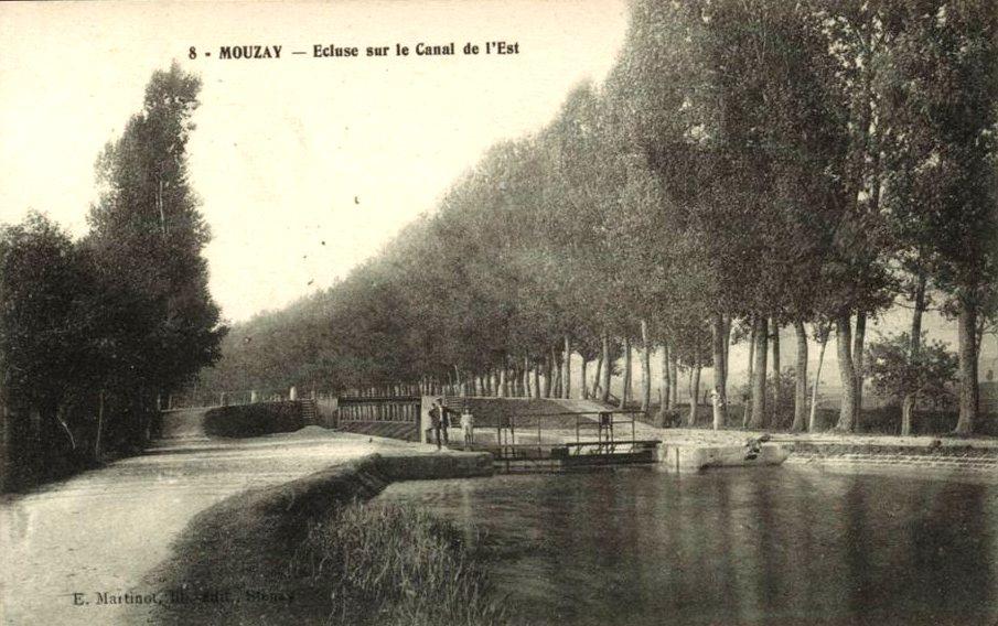 Mouzay (Meuse) L'écluse et le canal CPA