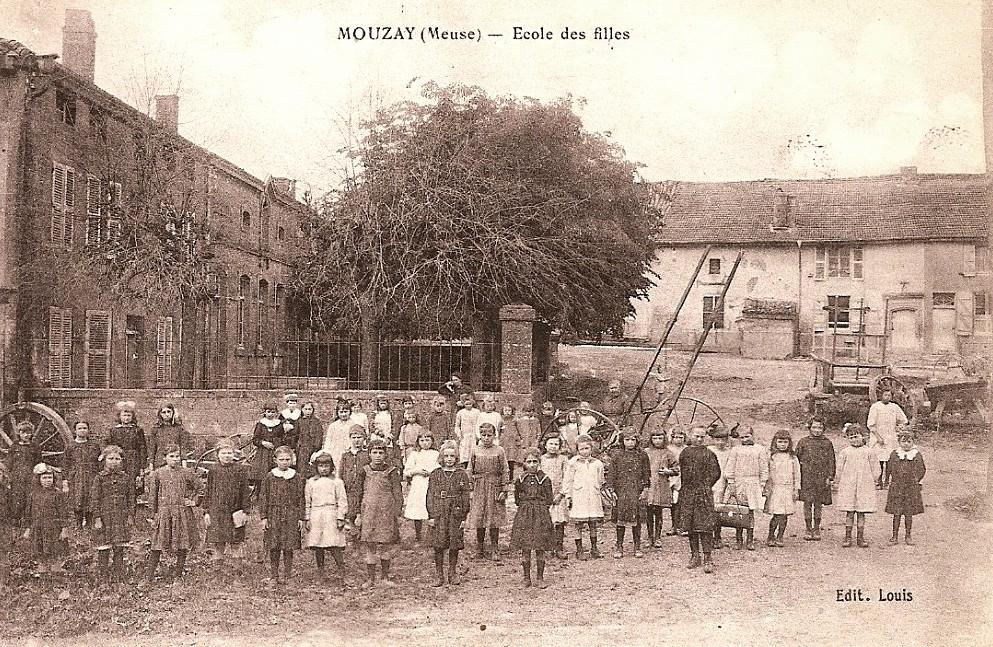 Mouzay (Meuse) L'école de filles CPA