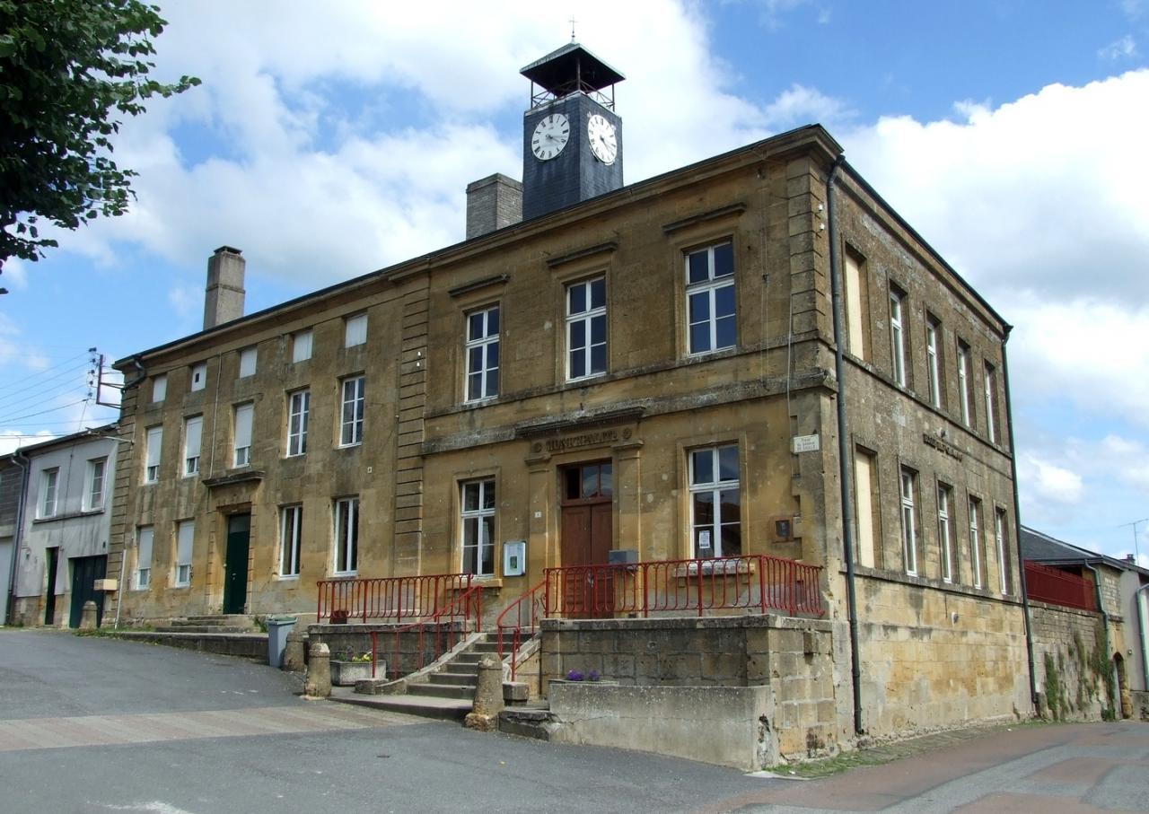 Mouzay (Meuse) La mairie