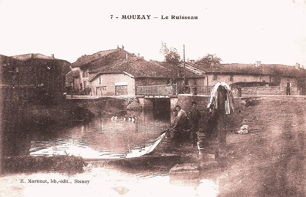 Mouzay (Meuse) Le ruisseau CPA
