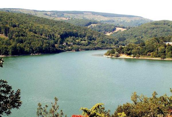 Murat-sur-Vèbre (Tarn) Lac de Laouzas