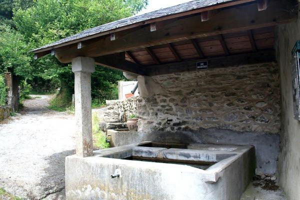 Murat-sur-Vèbre (Tarn) Lavoir de la Pise