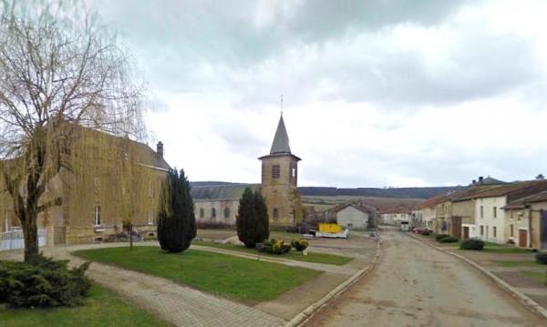 Nepvant (Meuse) L'église Saint Maximin et la Grande Rue