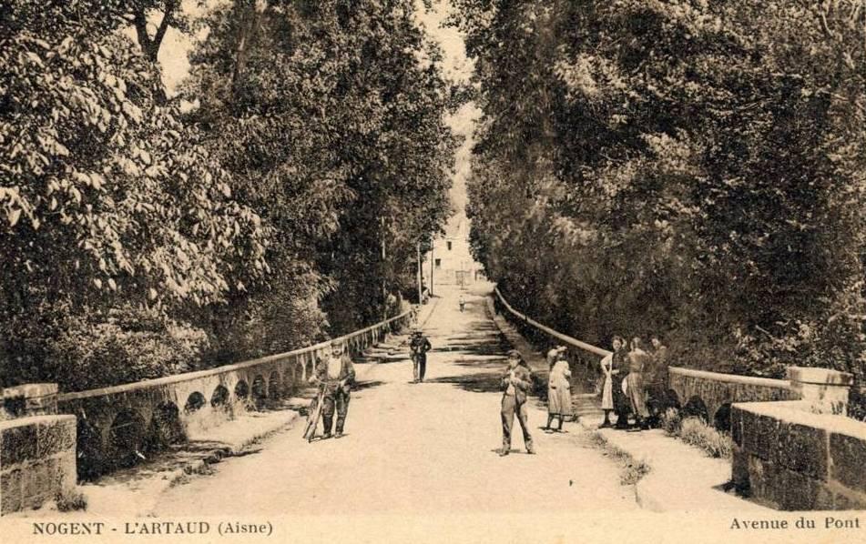 Nogent l'Artaud (Aisne) CPA Avenue du Pont