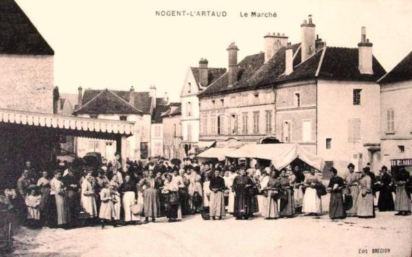 Nogent l'Artaud (Aisne) CPA Marché