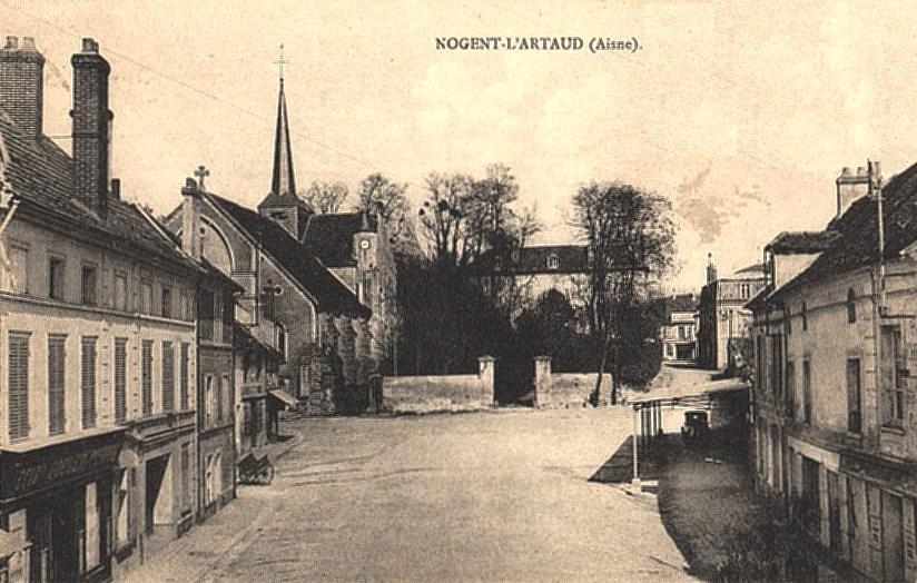 Nogent l'Artaud (Aisne) CPA Place du marché
