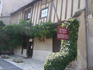 Nogent l'Artaud (Aisne) Maison du XVème siècle