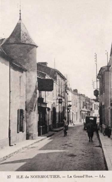 Noirmoutier-en-l'Ile (Vendée) Grande rue