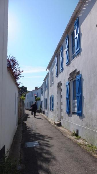 Noirmoutier-en-l'Ile (Vendée) Une ruelle en 2014