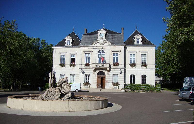 Nolay (Côte d'Or) La mairie