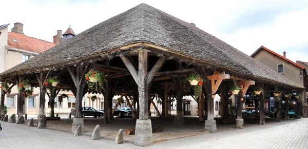 Nolay (Côte d'Or) Les Halles