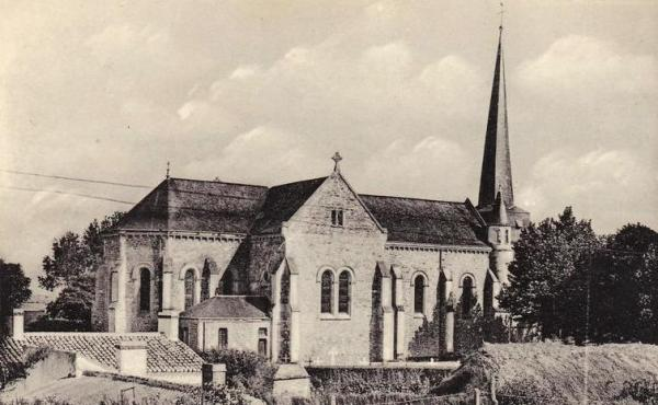Notre-Dame-de-Monts (Vendée) L'église CPA