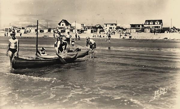 Notre-Dame-de-Monts (Vendée) La plage vers 1955 CPA