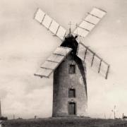 Notre-Dame-de-Monts (Vendée) Un moulin vers 1950 CPA