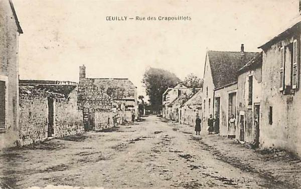 Oeuilly (Aisne) CPA rue des crapouillots