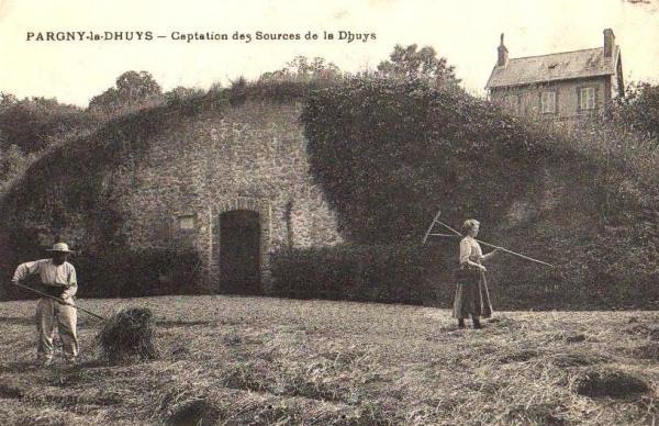 Pargny-la-Dhuys (Aisne) CPA captation des sources les foins