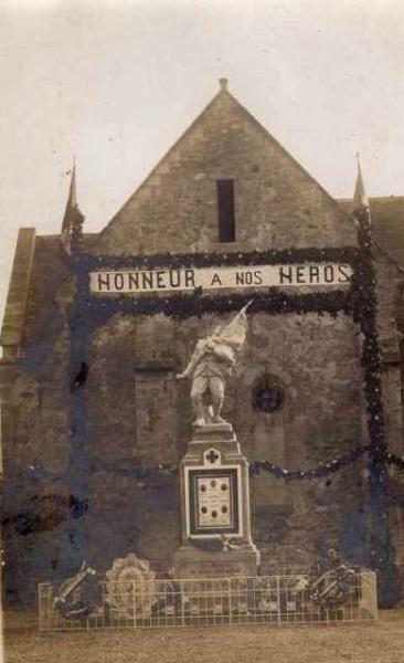 Passy-sur-Marne (Aisne) CPA monuments aux morts