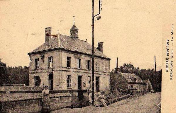Pernant (Aisne) CPA La mairie 1914-1918