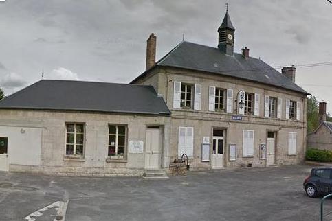 Pernant (Aisne) La mairie