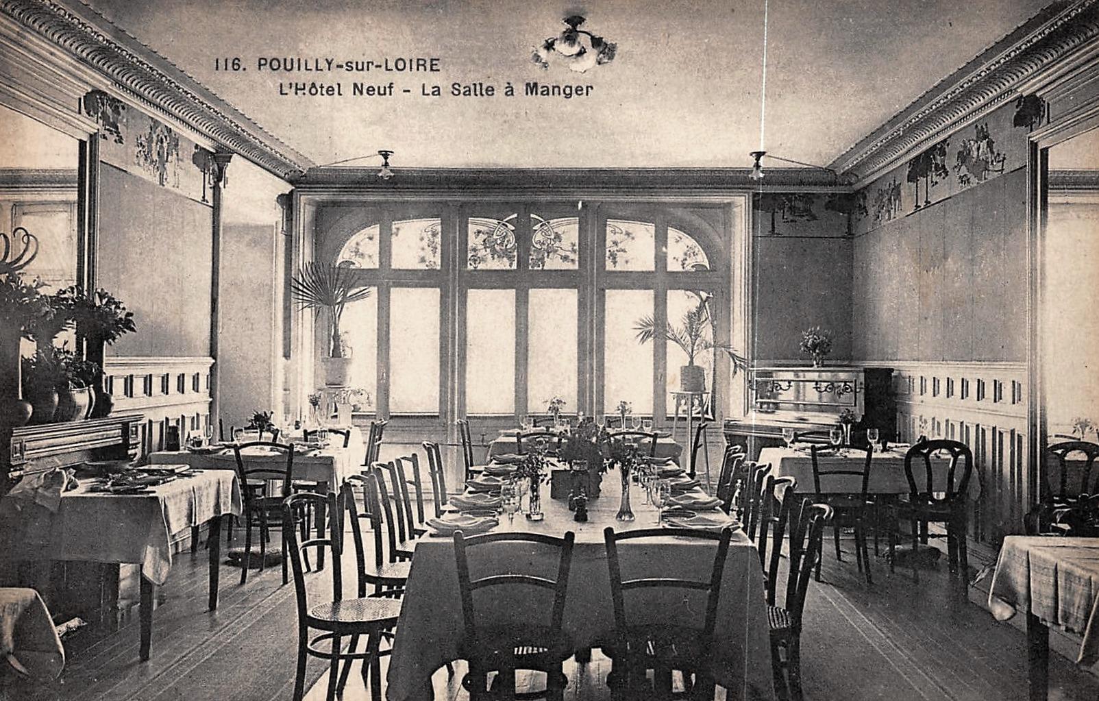 Pouilly-sur-Loire (Nièvre) L'hôtel neuf, le restaurant CPA