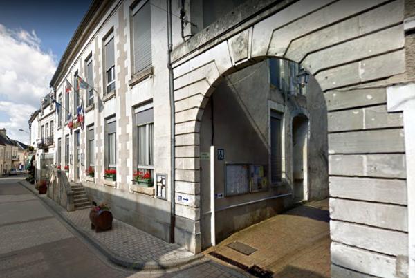 Pouilly-sur-Loire (Nièvre) La Mairie
